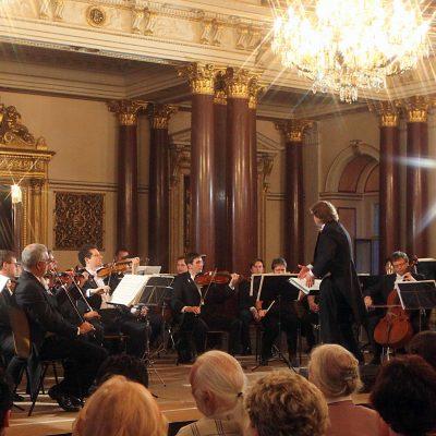 altenburger musikfestival 2009-abschlußgala-operngala-mit der jungen russischen kammerphilharmonie st petersburg unter der leitung von juri gilbo